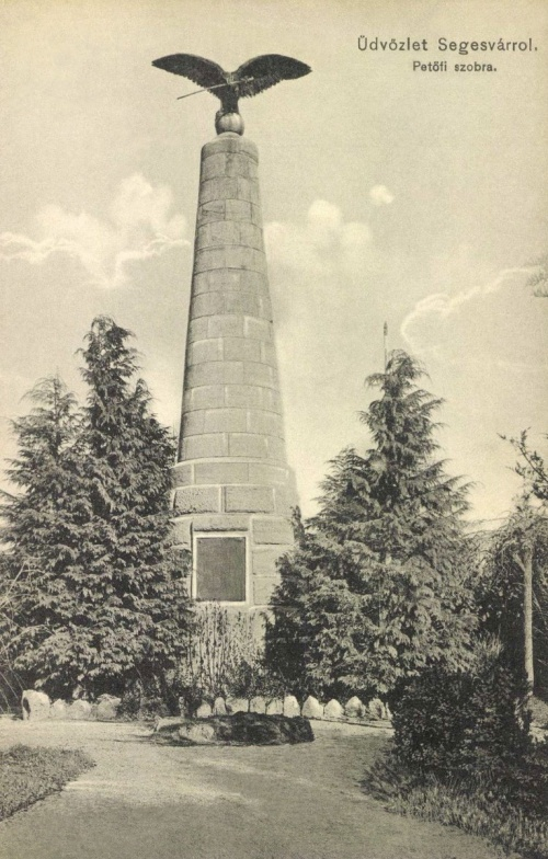 Segesvár: turulos Petőfi emlékmű,1912.