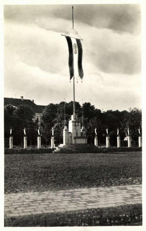 Sepsiszentgyörgy:országzászló.1943