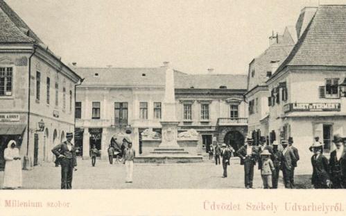 Székelyudvarhely:milleniumi emlékmű,1899-ben.
