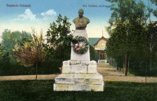 Szatmárnémeti:Kis Gedeon főkapitány szobra,1916.