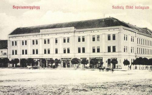 Székely Mikó Kollégium és Benkő Mór és Papp Antal üzlete,1908.