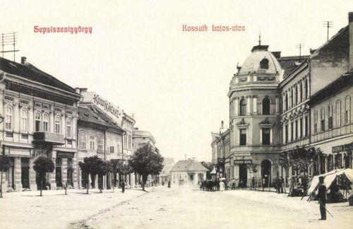 Kossuth utca és Kossuth kávéház,Fogolyán Endre és Kozma L.üzletei,1908