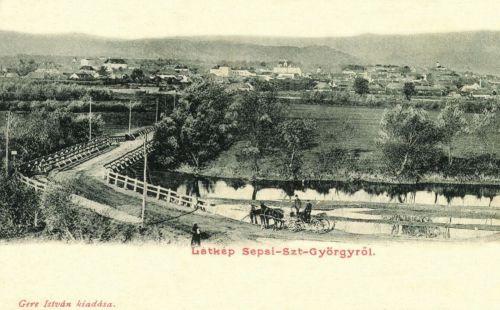 Sepsiszentgyörgy: város látképe a fahiddal,1902.