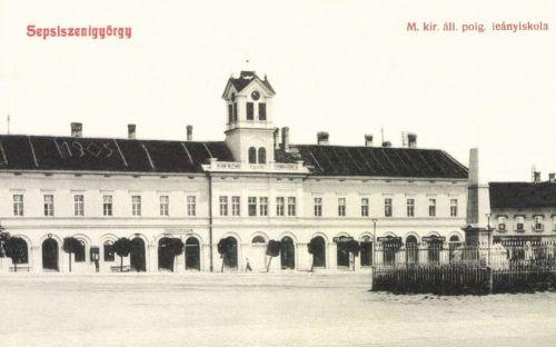 Magyar Királyi Állami Polgári Leányiskola és honvéd szobor,1908