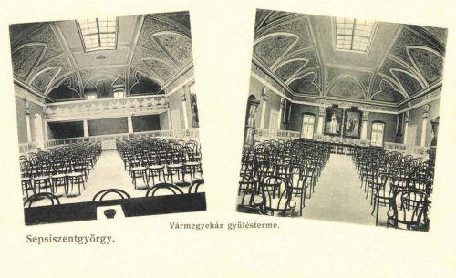 Vármegyeháza gyűlésterme Ferenc József és Erzsébet királyné képeivel,1906