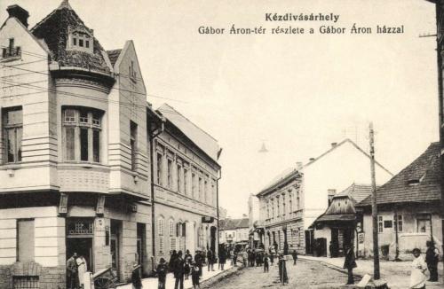 Kézdivásárhely:Gábor Áron-tér -és ház,1915.