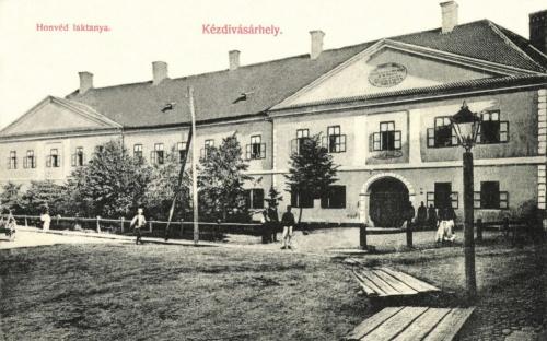 Kézdivásárhely:honvéd laktanya,1908.