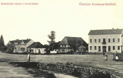 Kovászna:Kossuth-tér a borvíz-kúttal,1908.