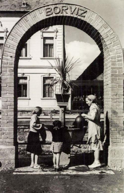 Kovászna:borvízkút,1941