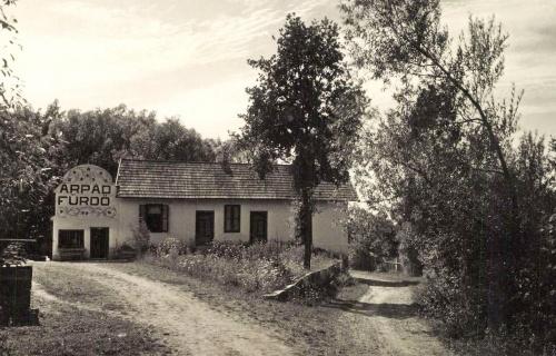 Kovászna:Árpád fürdő,1942.