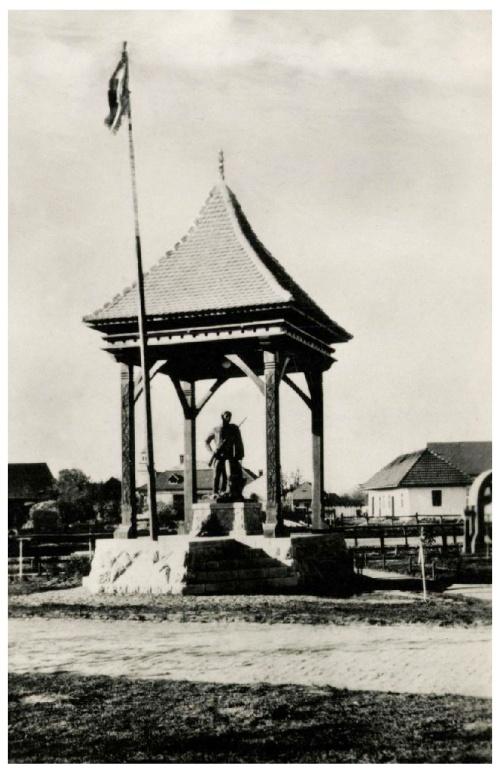 Kovászna:országzászló,1943.