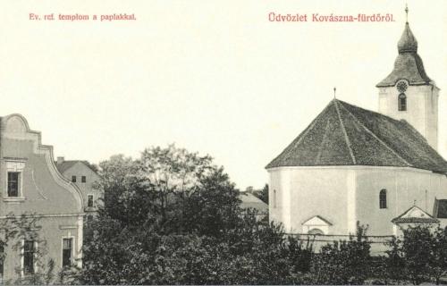 Kovászna:református templom a papi lakkal,1908.