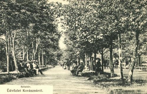 Kovászna:sétatéri élet,1906.